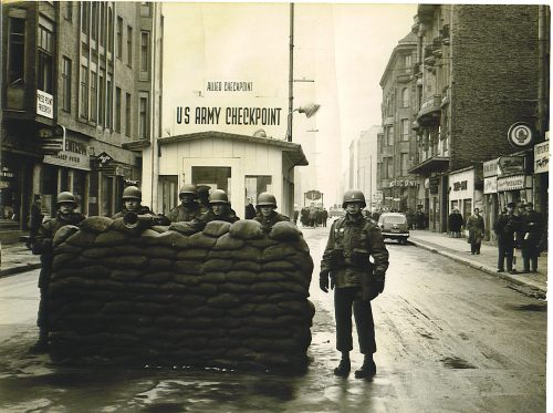 Checkpoint-Charlie-Oct-1961